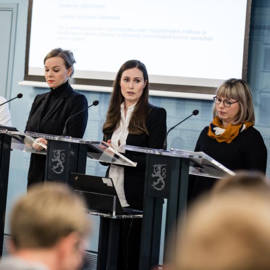 Sanna Marin, Katri Kulmuni, Anna-Maja Henriksson, Aino-Kaisa Pekonen ja Krista Kiuru.